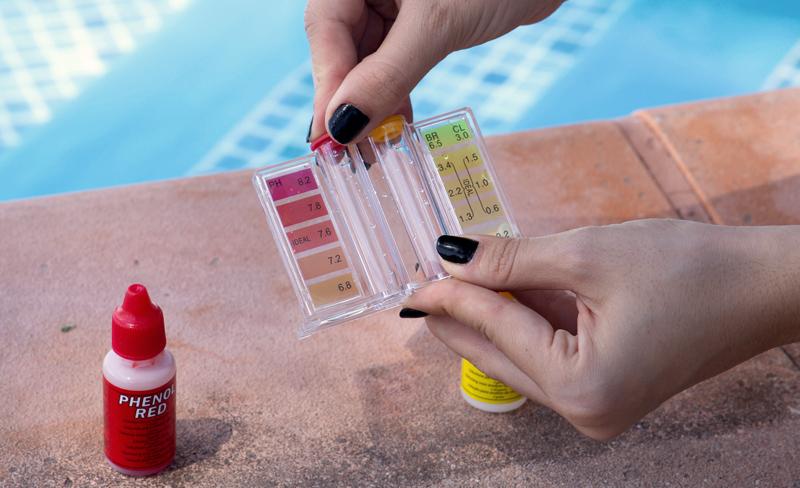 Com realitzar el manteniment de la piscina