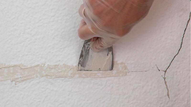 ¿Cómo renovar tu pared agrietada?