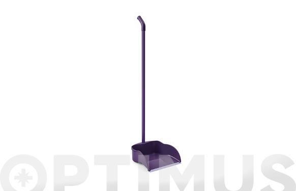Recogedor con palo lila