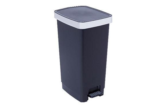 Cubo pedal plastico aro metalizado 40 l - negro