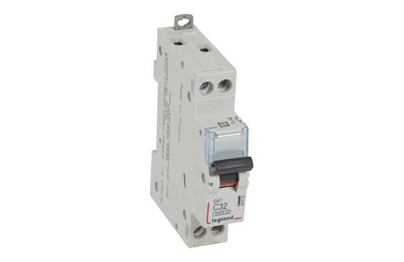 Magnetotermico dx3 p + n c32 1 modulo 6/32ka-p/negra